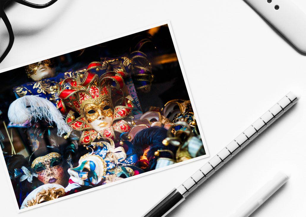 selbstgestaltete Postkarte mit Karnevalsmotiv