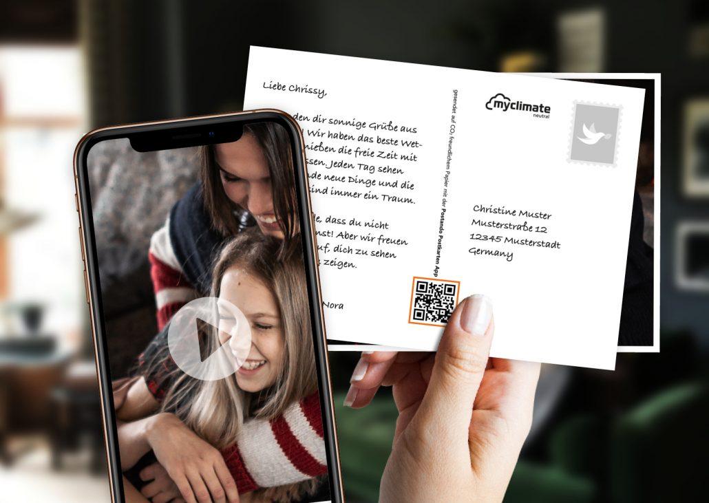 Postkarte mit QR-Code über den auf dem Handy eine Videobotschaft abgespielt werden kann
