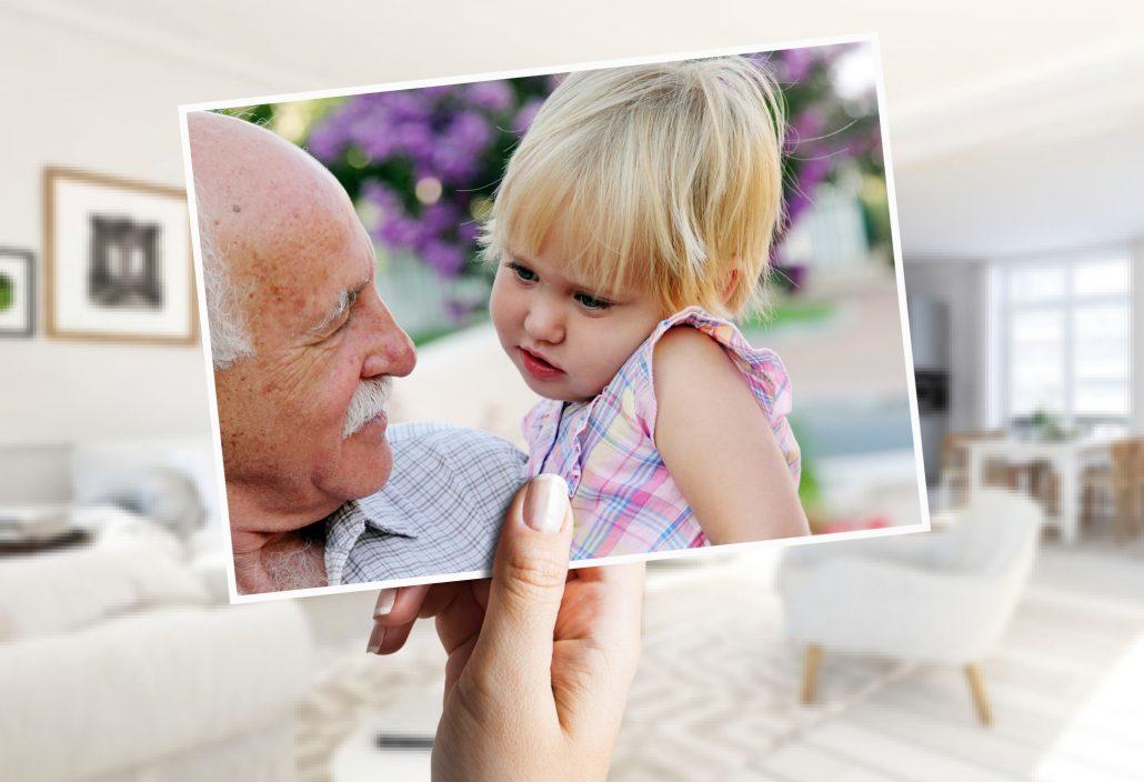De kaart van het herstel met opa en kleinkind